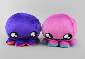 Purple Octopus Plushies by SewDesuNe