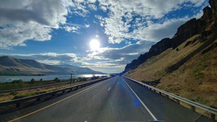 I-84 eastbound on the Columbia river by seedless61