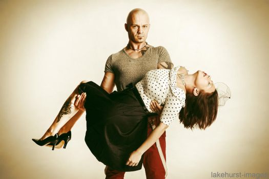 Carrying a 50ies lady by lakehurst-images