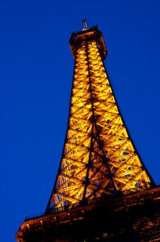 Eiffel Tower by Thanater