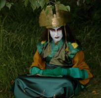 Avatar Kyoshi sitting by Caranth