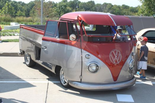 VW Bus Truck by iannathedriveress