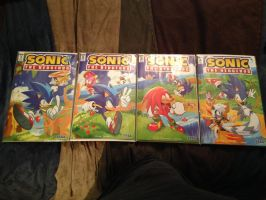The first 4 issues of IDW Sonic the Hedgehog by dth1971