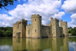 Bodiam Castle by CharlotteTheDeranged