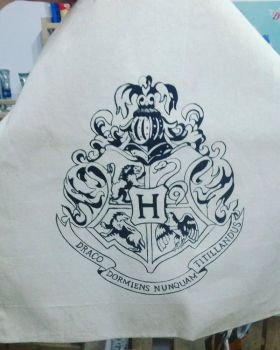 Hogwarts logo tote bag by tyroka-art
