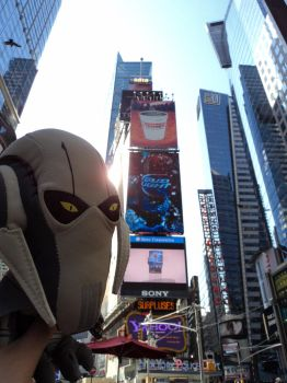 Grievous in Times Square by StephySkittles
