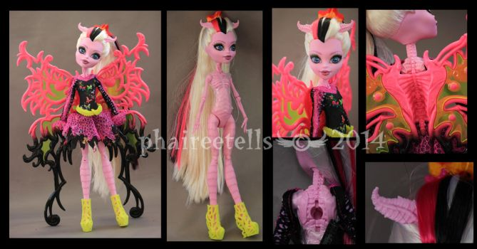 Monster High Freaky Fusion Bonita Femur details by phairee004