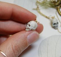 miniature skull by polymer-people