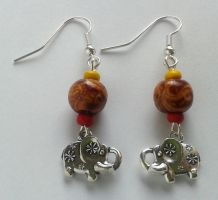 brown yellow and red wood pearls silver elephant by syn-O-nyms