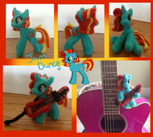 Jam Dance Needle Felt Pose-able Pony by the-pink-dragon
