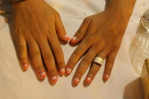 Cupcake Nails by lpevris