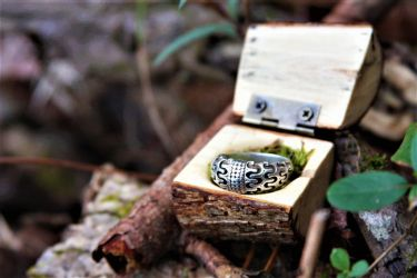 Live Edge Wooden Ring Box 2 by Fellgleaming
