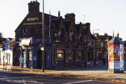 Pubs in edinburgh by Brainbarbie