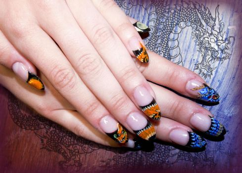 Battle of the Dragons Gel Nails by Undomiele