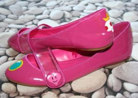 Princess Peach Shoes by Clayofmyclay