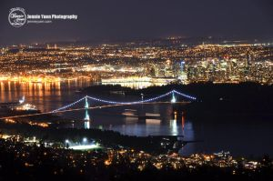 Lions Gate Bridge Night View by sweetcivic