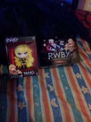 Team RWBY Yang figurine and collector cards~ by DaniRose491