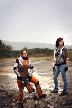 Gordon Freeman + Alyx Vance Half-Life 2 Cosplay by leAlmighty