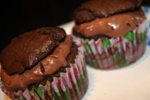 Chocolate Cupcakes + Mousse 2 by CrossFade1105