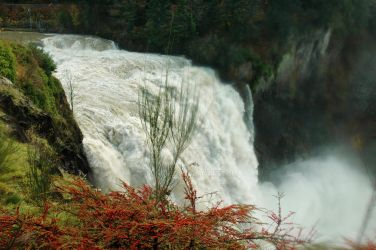 Snoqualmie Falls by sunnie
