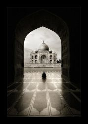 Solitude - Taj Mahal by tyt2000