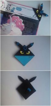 Shiny Umbreon bookmark by celegiro