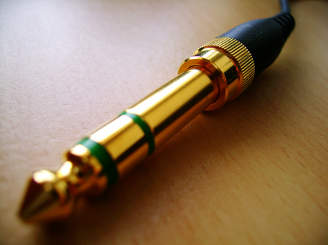 Sony MDR-XD200 jack by Utter-iMADNESS