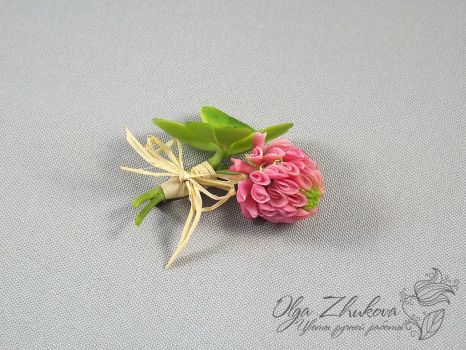 brooch with clover by polyflowers