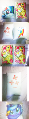 The Pony Cushion I made during S.K Bronycon by Kardien