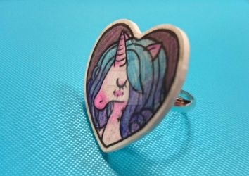 Unicorn ring! by QueenJellybeany