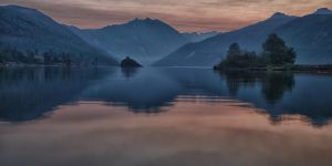 Coldwater Lake before sunrise by arnaudperret