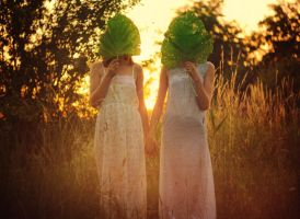 Faceless Sisters by Econita