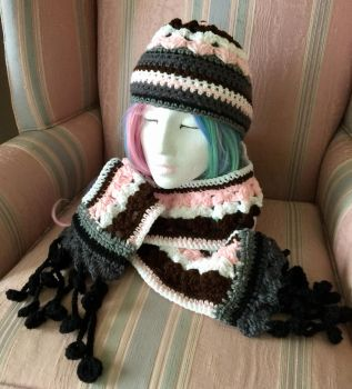 Neapolitan RWBY hat and scarf set by Oriwhitedeer