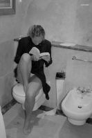 Toilet reading by crazydoc5