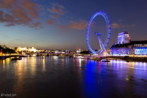 London Eye at night . . . by CyclicalCore