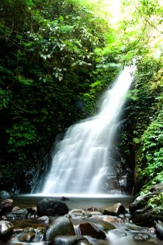 karembong waterfall by nsghtphotography