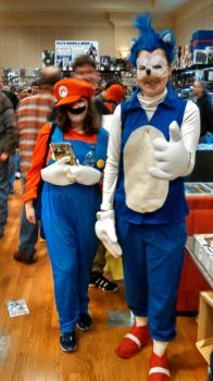 Sonic and Mario at the 2014 Akron Comicon by Peanutmanington