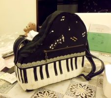 Piano Purse 2.0 by SparkleWolfie