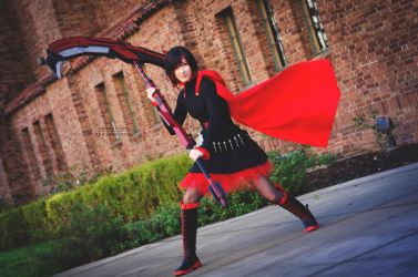 Ruby Rose of RWBY by sintar
