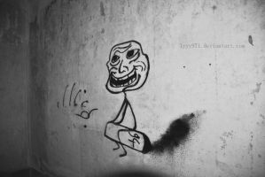 Troll - Street art by lyyy971