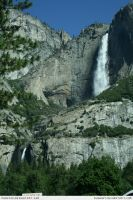 Yosemite 5 waterfall by RoonToo