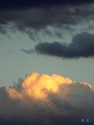 Cloud that looks like the top of a mountain by inspirationcalls