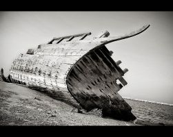 Broken Boat by NasserRadi