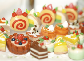 Miniature Cakes by apple-pai