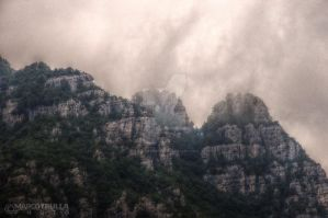 Foggy Mountains by Ragnarokkr79
