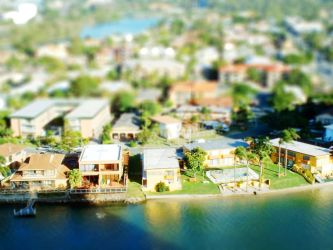 Gold Coast Miniature by h3x4d3cim4l