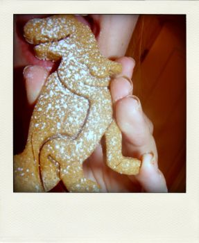 gingerbread dinosaur. by alannah-the-pirate