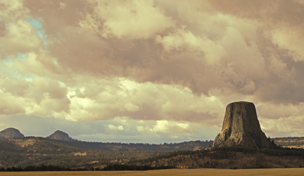 Devils Tower by Neiot