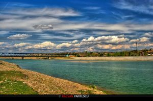 Siret river by razvanx