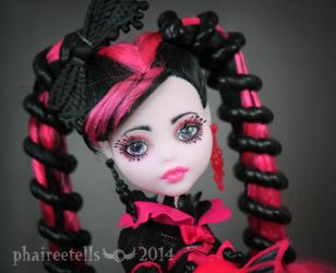 Monster High repaint SS Draculaura portrait by phairee004